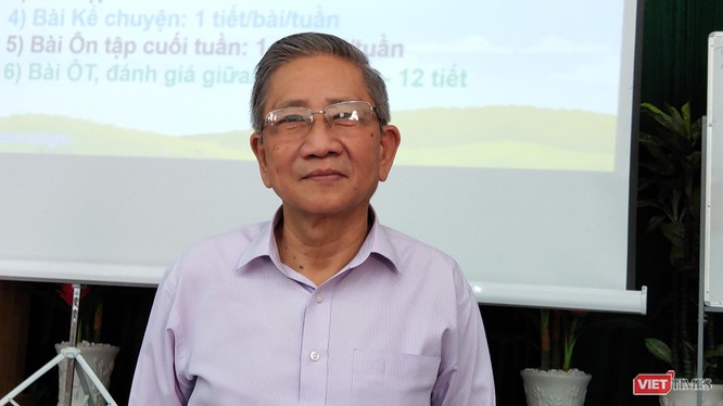 GS Nguyễn Minh Thuyết có buổi trao đổi với 220 giáo viên đến từ nhiều trường tại TP.HCM về bộ sách Cánh diều (Ảnh: Hòa Bình)