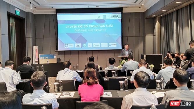 """Ông Nguyễn Hoàng Hiệp, Giám đốc Công ty Hitachi Systems Việt Nam phát biểu tại Hội thảo """"Chuyển đổi công nghệ số trong sản xuất"""" (Ảnh: Hoàng Hải)"""