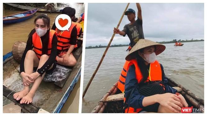 Ca sĩ Thuỷ Tiên lặn lội về cứu trợ bà con vùng bão lũ (Ảnh: FBNV - Hoà Bình ghép)