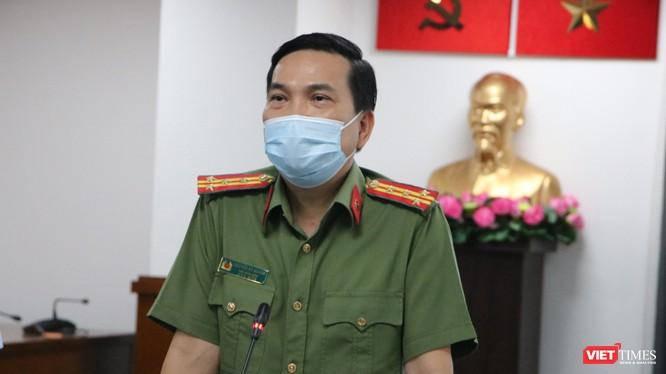 Đại tá Nguyễn Sỹ Quang - Phó Giám đốc Công an TP.HCMtại buổi họp báo trưa 3/12 (Ảnh: Hải Linh)