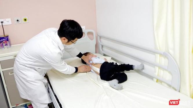 Bệnh nhi còn quá nhỏ thách thức các Bác sĩ tại BV TWQĐ 108 (Ảnh: BVCC)