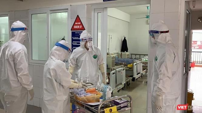 Khu vực cách ly điều trị bệnh nhân COVID-19 tại BV Dã chiến Hải Dương (Ảnh: CTV)