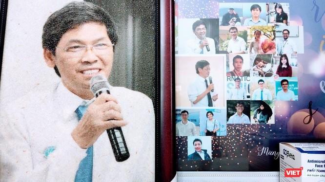 Ths. Phan Kim Ngọc – người sáng lập Viện Tế bào gốc (trực thuộc Đại học KHTN - ĐHQG TP.HCM) say sưa với công nghệ tế bào gốc (Ảnh: Hoà Bình)