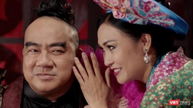 Ca sĩ Phương Thanh (vai Tú Bà) và Mã Giám Sinh đầy âm mưu, toan tính (Ảnh: ĐPCC)