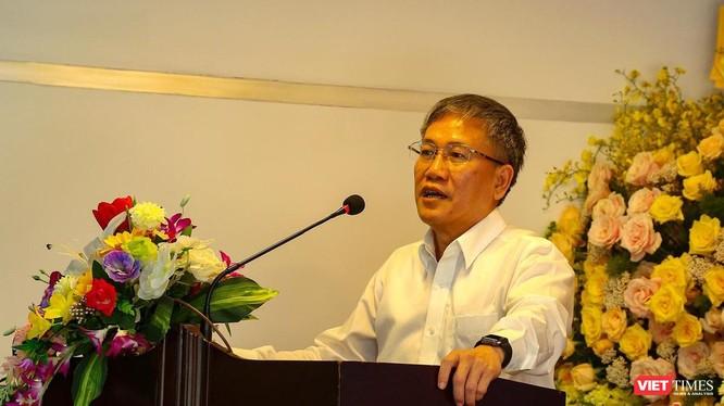 Ông Nguyễn Quang Thanh – Giám đốc Sở TTTT Đà Nẵng tại buổi họp báo sáng 6/4 (Ảnh: Hồ Xuân Mai)