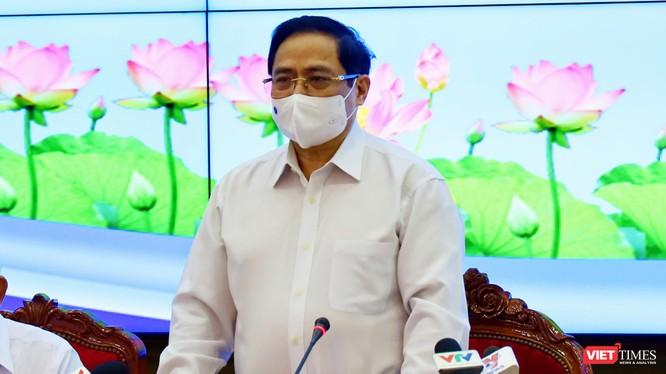 Thủ tưởng Phạm Minh Chính tại cuộc họp với TP.HCM sáng 13/5 -Ảnh Huyền Mai