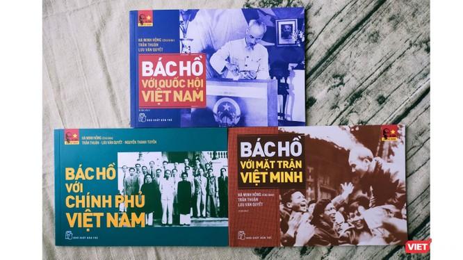 Bộ 3 cuốn sách được NXB Trẻ phát hành trong ngày sinh của Chủ tịch Hồ Chí Minh (Ảnh: HB)