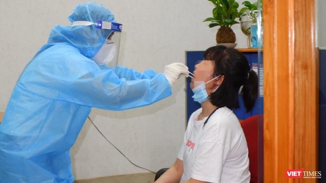 Công tác xét nghiệm COVID-19 (Ảnh: CDC TP.HCM)