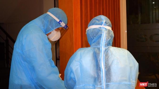 Xét nghiệm khẩn cấp cho các ca liên quan trong chùm siêu lây nhiễm Hội thánh truyền giáo Phục hưng - Ảnh: HCDC