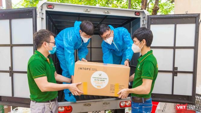 Hoạt động trao tặng được phối hợp giữa công ty Altai Sibiri, Ban chăm sóc sức khỏe trung ương tỉnh Bắc Giang và Ban lãnh đạo huyện Việt Yên - Ảnh: AS