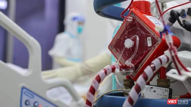 Trang thiết bị hiện đại tại Bệnh viện Hồi sức COVID-19 (TP.HCM). Ảnh: Hải An