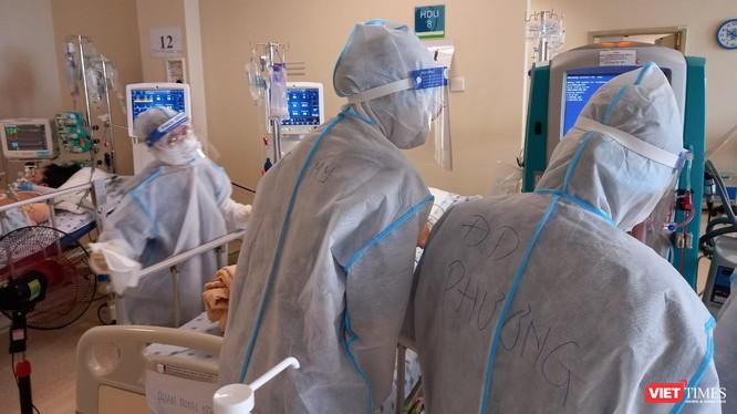 Điều trị bệnh nhân COVID-19 nặng tại Bệnh viện ĐH Y Dược TP.HCM