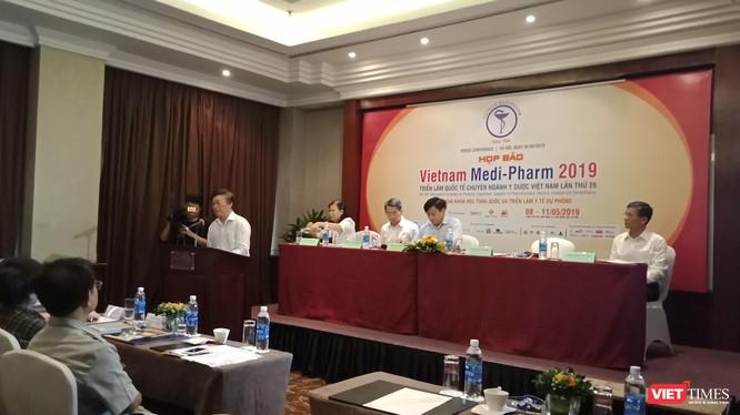 Đại diện các đơn vị phối hợp tổ chức sự kiện phát biểu tại buổi họp báo.