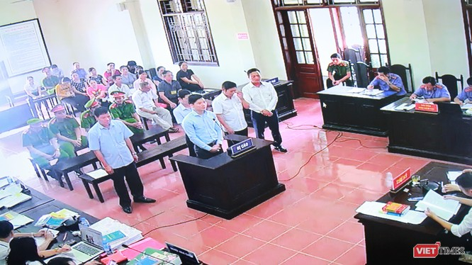 Hoàng Công Lương và 5 bị cáo tại phiên tòa phúc thẩm.
