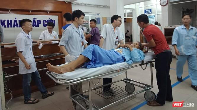 Một trường hợp bệnh nhân được đưa tới cấp cứu tại Bệnh viện Hữu nghị Việt Đức