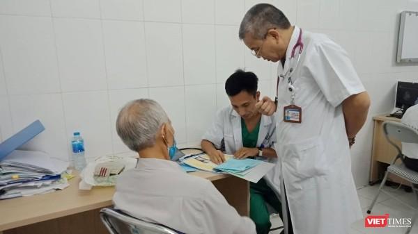 Hiện nay, người dân sử dụng bệnh án giấy, không có hồ sơ sức khỏe gây bất tiện khi đi khám, chữa bệnh.