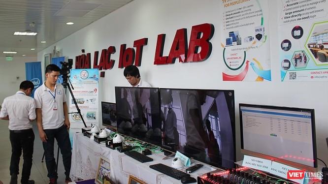 Nhiều công nghệ mới của các doanh nghiệp khởi nghiệp được trình diễn tại buổi khai trương Hoà Lạc IoT Lab.