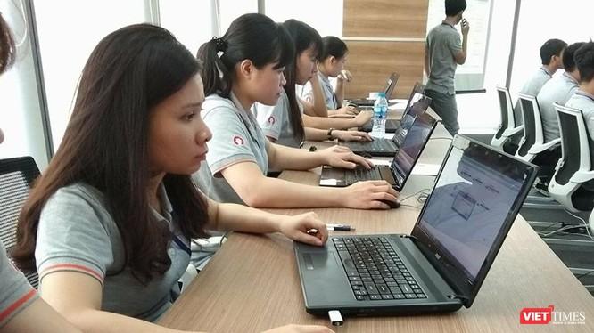 """Yêu cầu """"lưu trữ tại Việt Nam đối với thông tin cá nhân của người sử dụng dịch vụ tại Việt Nam"""" có hàm ý pháp lý rằng dữ liệu và máy chủ phải đặt tại Việt Nam. Ảnh minh họa"""