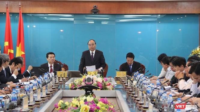 Thủ tướng đề nghị Bộ TT&TT nghiên cứu, cải tiến, đi đầu đổi mới tư duy, thử nghiệm cách làm mới.