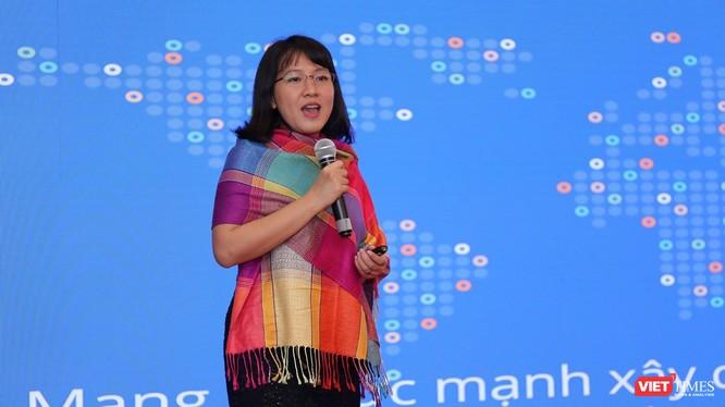 Bà Lê Diệp Kiều Trang, Tổng Giám đốc, Facebook Việt Nam phát biểu tại Diễn đàn