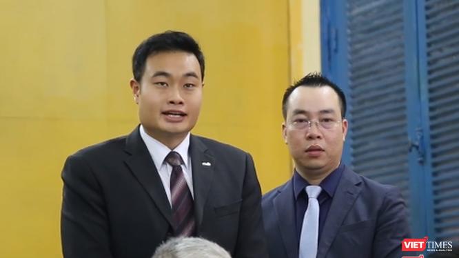 Ông Jerry Lim -- Giám đốc Grab tại Việt Nam (trái).