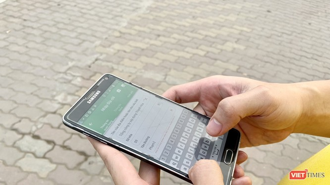 """Cập nhật thông tin thông qua ứng dụng """"VnPost thu thập địa chỉ"""" để tích hợp và đưa lên bản đồ số Việt Nam."""