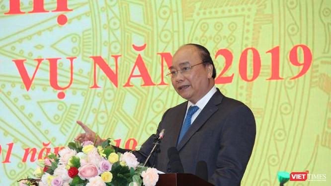 Thủ tướng thẳng thắn chỉ ra những tồn tại của Bộ TT&TT trong buổi tổng kết hoạt động năm 2018.