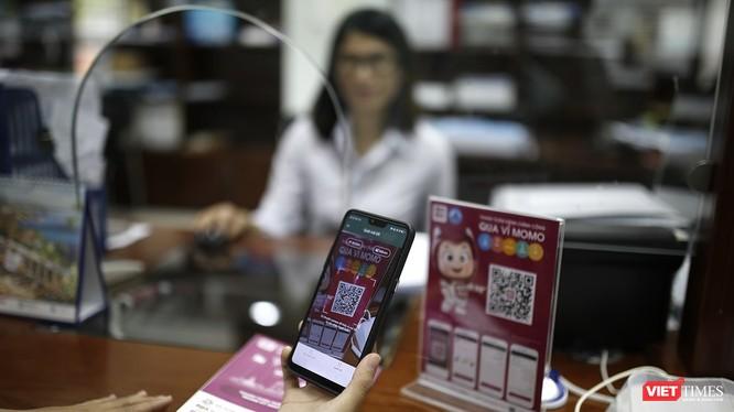 Đà Nẵng trở thành địa phương đầu tiên thực hiện chủ trương thúc đẩy thanh toán điện tử.