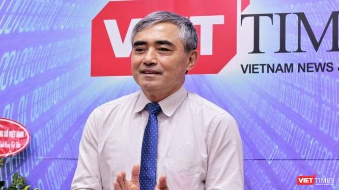 Chủ tịch Nguyễn Minh Hồng chúc mừng các Phóng viên, Biên tập viên VietTimes nhân kỷ niệm 94 năm ngày Báo chí Cách mạng Việt Nam.