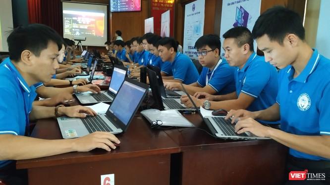 Cuộc diễn tập ứng phó hành vi can thiệp bất hợp pháp vào hệ thống thông tin chuyên ngành bảo đảm hoạt động bay có sự tham gia của 10 đội ứng cứu với hơn 50 cán bộ CNTT đến từ các đơn vị thuộc Tổng Công ty Quản lý bay Việt Nam.