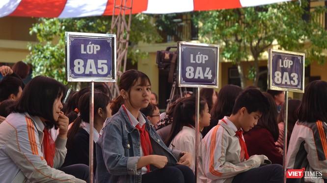 Các em học sinh trường THCS Thành Công (Hà Nội) trong buổi phát động cuộc thi Viết thư quốc tế do Liên minh Bưu chính Quốc tế (UPU) lần thứ 49.