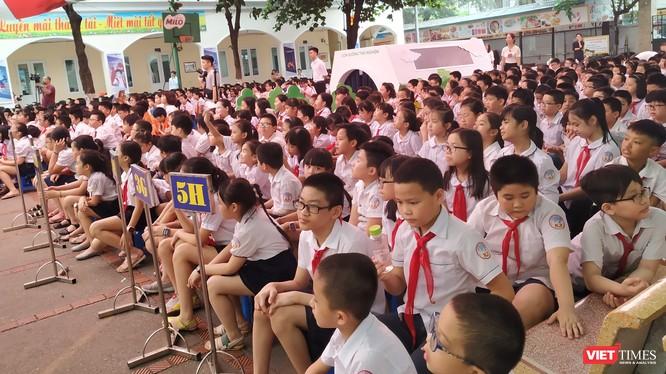 Chủ tịch UBND TP. Hà Nội Nguyễn Đức Chung cho rằng trường học là nơi sạch sẽ, an toàn cho các em học sinh. Ảnh: Anh Lê