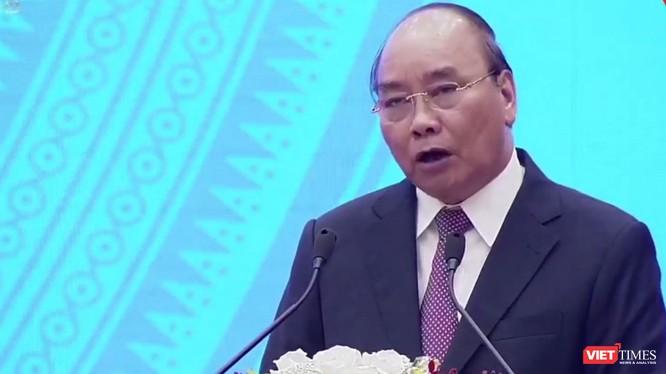 Thủ tướng yêu cầu doanh nghiệp áp dụng mạnh mẽ KHCN, nhất là cuộc CMCN 4.0 để nâng cao năng suất.