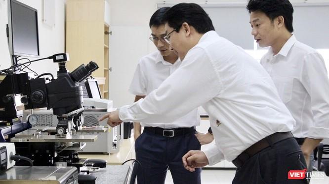 Tổng Công ty Công nghiệp CNC Viettel và ĐH Bách Khoa TP.HCM hợp tác nghiên cứu và sản xuất chip 5G.
