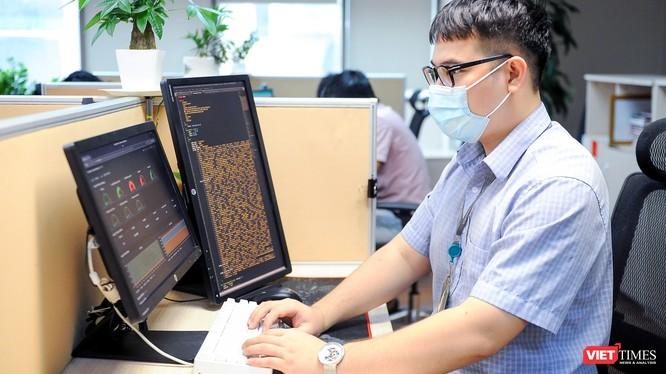 Các kỹ sư Viettel đã lên phương án kỹ thuật đảm bảo dung lượng cho hệ thống kê khai y tế đảm bảo.