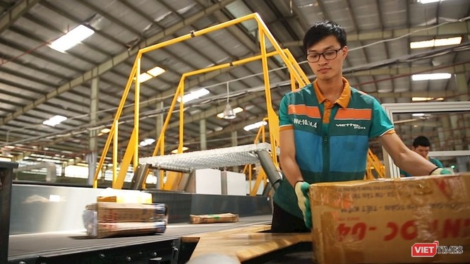 Các ý kiến cho rằng đây là thời điểm có nhiều cơ hội cho logistics Việt Nam cũng như cơ hội cho các bạn sinh viên có đam mê và hoài bão muốn khẳng định bản thân trong lĩnh vực logistics.