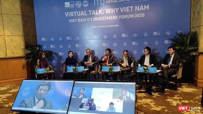 Ông Đỗ Công Anh phát biểu tại phiên thảo luận quốc tế trực tuyến với chủ đề Why Vietnam.