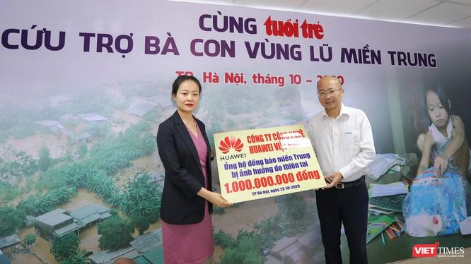 Bà Fiona Li - Phó Tổng Giám đốc phụ trách đối ngoại của Huawei Việt Nam.