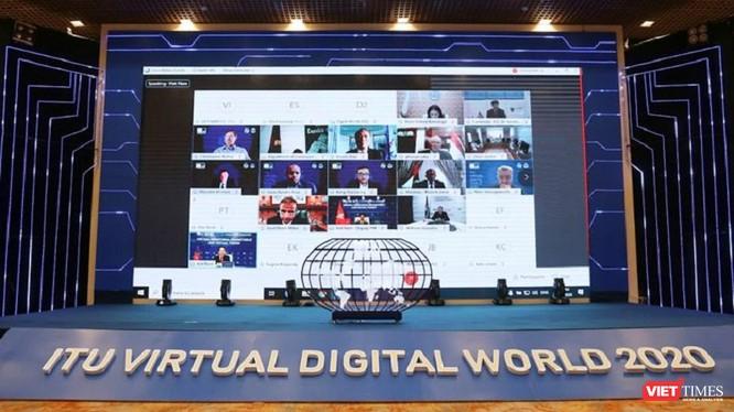 """Triển lãm Viễn thông thế giới đến Việt Nam và bắt đầu một """"đời sống"""" mới, với một sứ mệnh mới và với một tên gọi mới, trở thành Triển lãm Thế giới số. Đây là sáng kiến của Việt Nam, được Liên minh Viễn thông Quốc tế ITU và các nước thành viên đánh giá cao."""