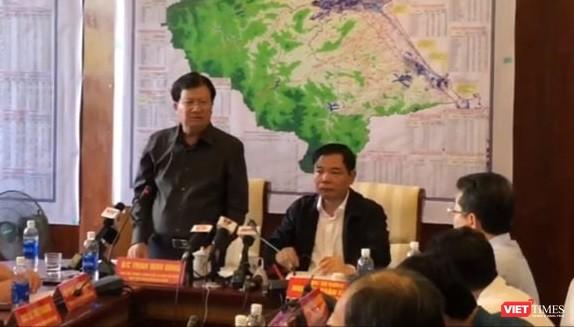 Phó Thủ tướng Chính phủ Trịnh Đình Dũng tại Ban Chỉ đạo tiền phương. Ảnh: Hồ Xuân Mai.
