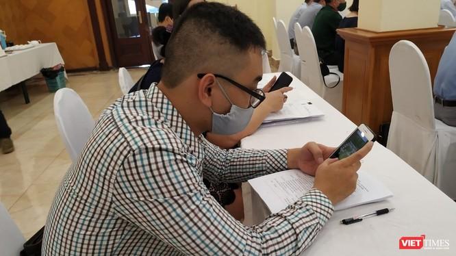 Có đến 50,7% người dùng Facebook tại Việt Nam là nam giới, 49,3% còn lại là nữ giới và giới tính khác (theo gso.gov.vn). Ảnh minh hoạ.