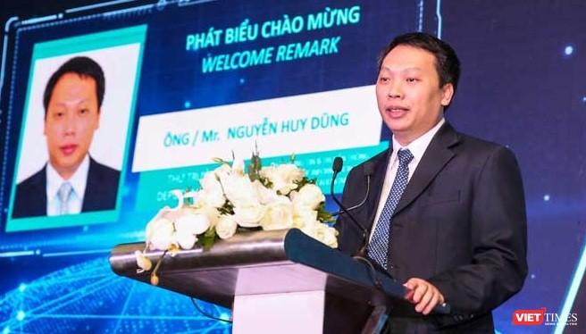 Thứ trưởng Nguyễn Huy Dũng kêu gọi địa phương hãy tập trung phát triển các doanh nghiệp tư vấn ứng dụng công nghệ số, mang công nghệ số vào mọi ngõ ngách cuộc sống tại địa phương.