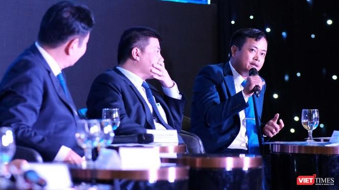 Ông Nguyễn Hùng Sơn – Tổng giám đốc FSI – trao đổi tại phiên toạ đàm Chuyển đổi số quốc gia.