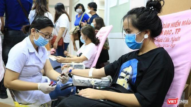 Hiến máu cứu người là nghĩa cử cao đẹp cần được nhân rộng.
