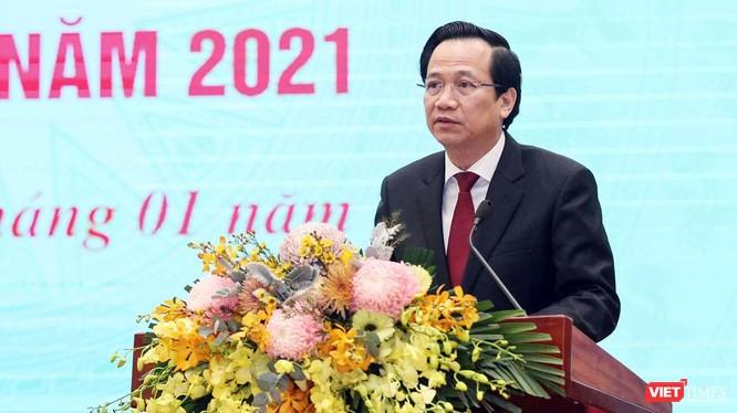 Bộ trưởng Đào Ngọc Dung cho biết năm 2021, Bộ sẽ tiếp tục đẩy mạnh cải cách hành chính, ứng dụng công nghệ thông tin nhằm đáp ứng tốt hoạt động quản lý, chỉ đạo, điều hành thực hiện nhiệm vụ về lao động, người có công và xã hội. Ảnh: Bộ LĐ-TB&XH.