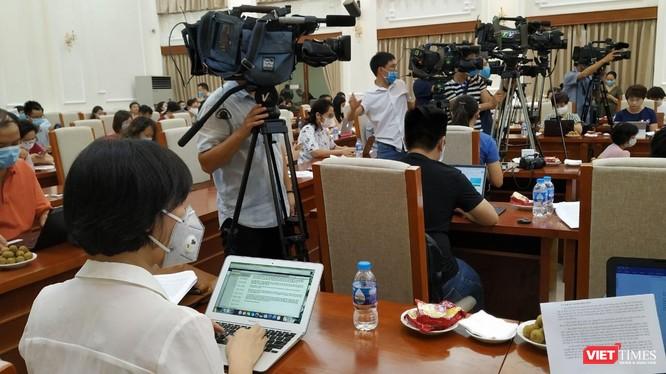 Không chỉ phóng viên trong nước mà cả các phóng viên quốc tế sẽ được tạo điều kiện tiếp cận thông tin về Đại hội Đảng. Ảnh minh hoạ.