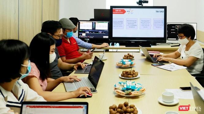 """Những chủ đề hàng đầu bị tội phạm mạng khai thác bao gồm COVID-19, hội thảo trực tuyến không có thực, và """"các dịch vụ mới của doanh nghiệp""""."""