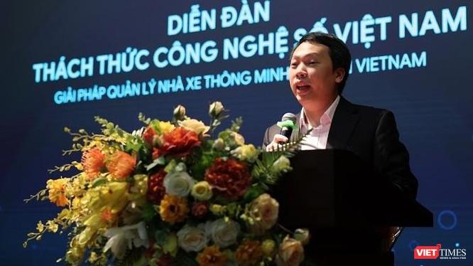 """Thứ trưởng Nguyễn Huy Dũng cho rằng thực tiễn triển khai chuyển đổi số trong năm 2020 cho thấy """"tìm ra đúng vấn đề của xã hội"""" thường sẽ khó khăn, thách thức hơn là giải vấn đề đó bằng công nghệ."""