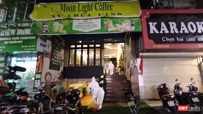 Quán karaoke Moonlight - 54 Chùa Láng, nơi bác sĩ mắc COVID-19 đã tới hát vào tối muộn ngày 29/4.
