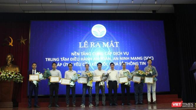 """Sự kiện ra mắt Trung tâm điều hành an toàn, an ninh mạng (SOC) được coi là bước quan trọng trong chiến lược """"Make in Vietnam""""."""